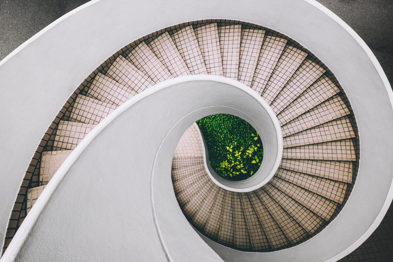 Looping stairs